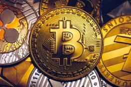 Las altcoins se desploman cuando Bitcoin ve un retroceso masivo, un analista dice que Altseason podría superar a BTC