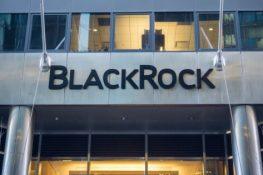 Las presentaciones de BlackRock indican que la empresa gigante de administración de activos podría comenzar a operar con futuros de Bitcoin