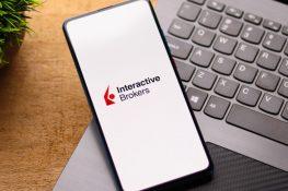 Interactive Brokers planea ofrecer operaciones con criptomonedas a finales de este verano