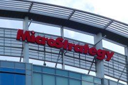 MicroStrategy continúa invirtiendo en activos digitales en medio de la tenencia de 105,085 BTC