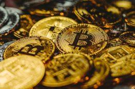 Bitcoin se corrige después de alcanzar ATH en el nivel de $ 66,900, los titulares permanecen imperturbables