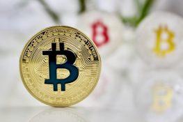 Bitcoin supera a las materias primas en 2021 en medio de una circulación inactiva de BTC que va un poco más alto